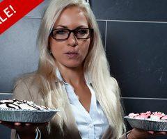 Jenni enters the pie business