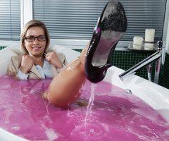 Jennies pink slime bath