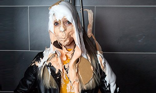 Linda is pied in Jeans and Leather